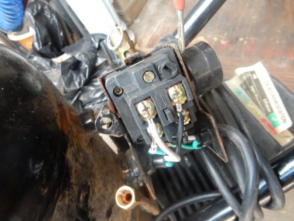 Air continuously leaks out of the unloader valve